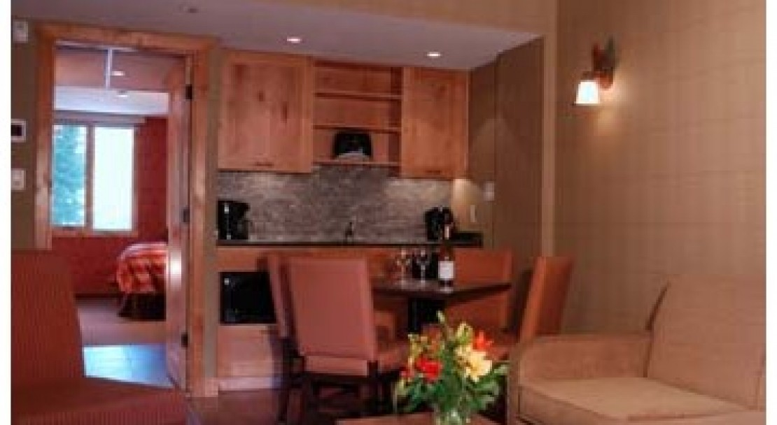 Dining Area - Fox Hotel and Suites – Banff