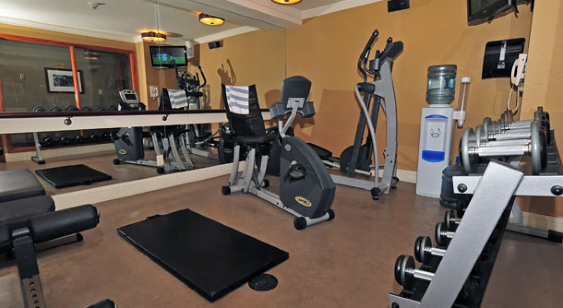 Fitness Room - Fox Hotel and Suites – Banff