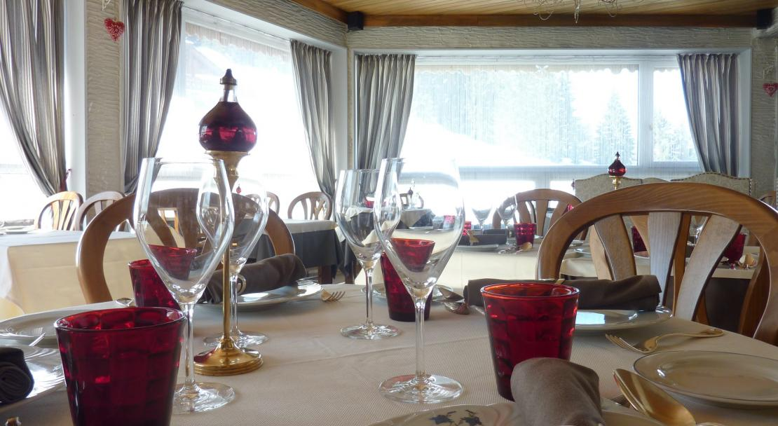 Restaurant Dining in Les Ancolies Courchevel