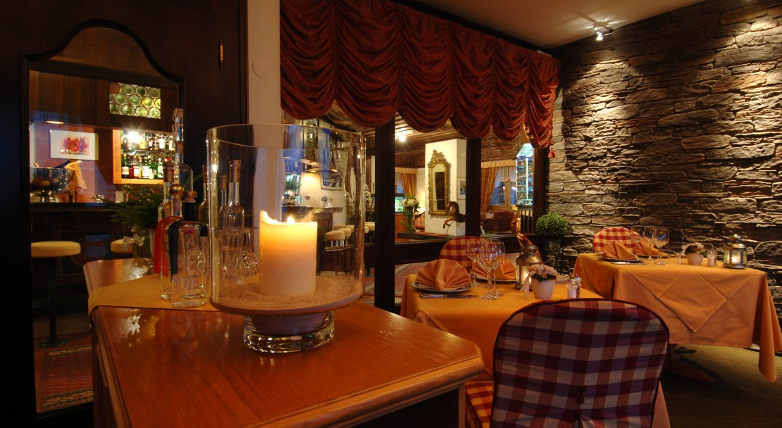 Cosy Bar and Restaurant at the Hotel Beau-Site Adelboden