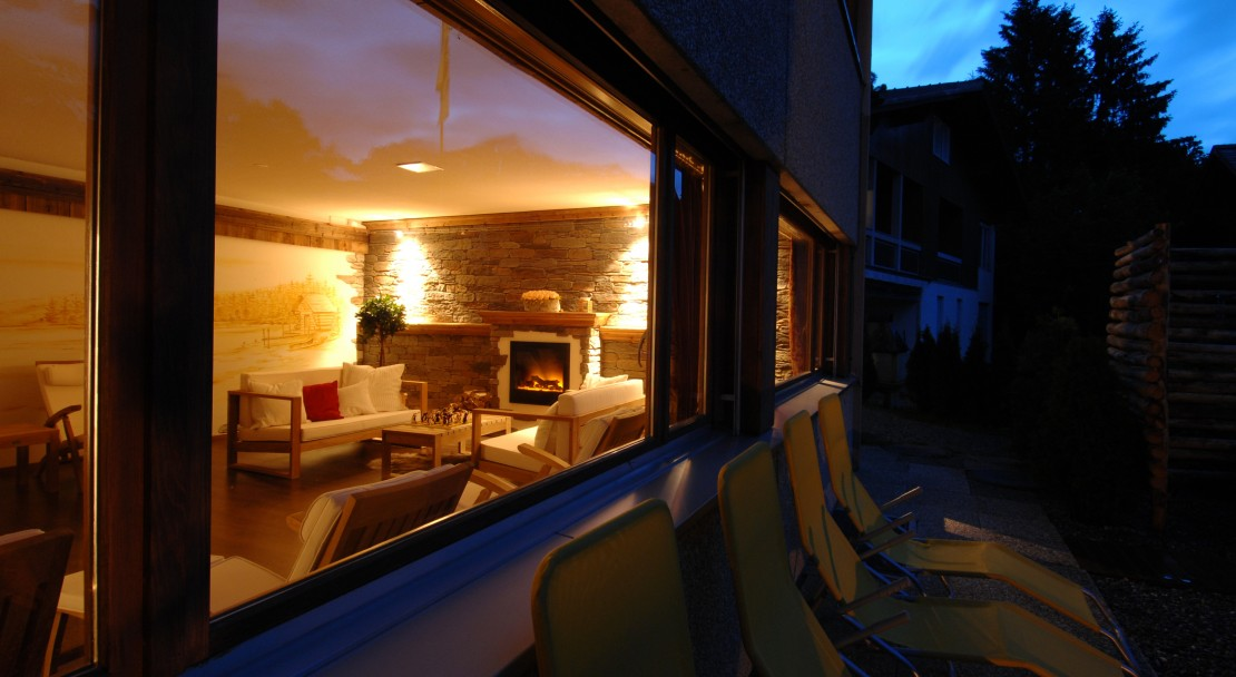 Fireplace and Lounge at the Hotel Beau-Site in Adelboden