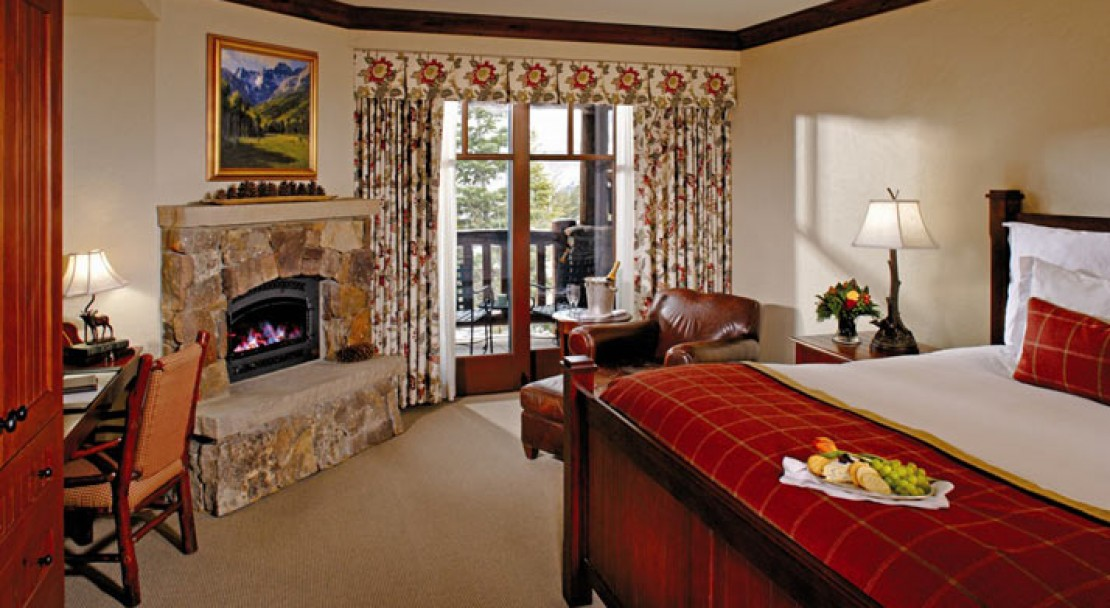 A king bed room at the Ritz-Carlton Bachelor Gulch