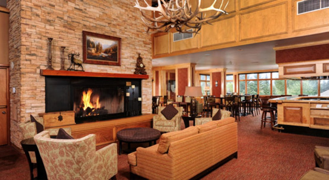 Fireplace at the bar at the Keystone Lodge and Spa