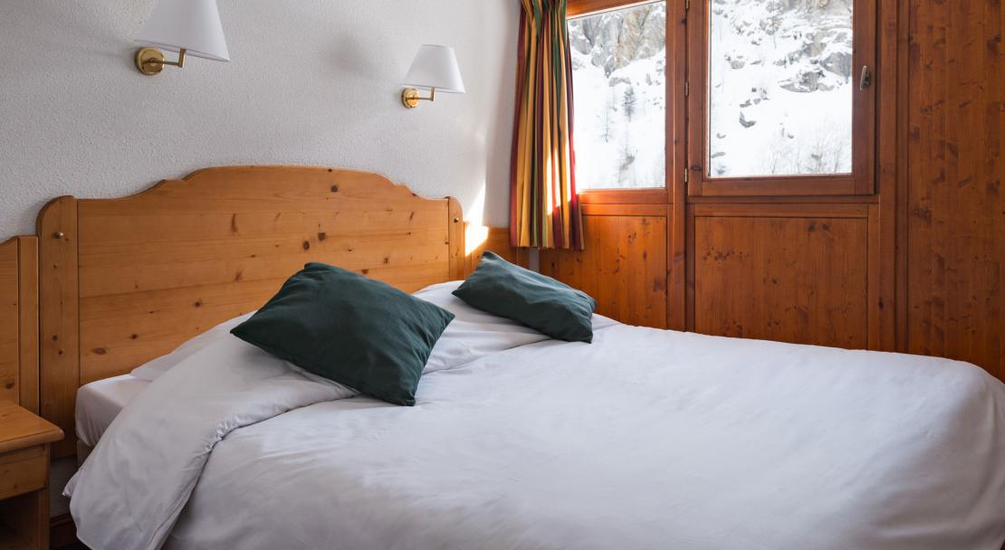 Chalet Du Galibier Valloire Double Bed