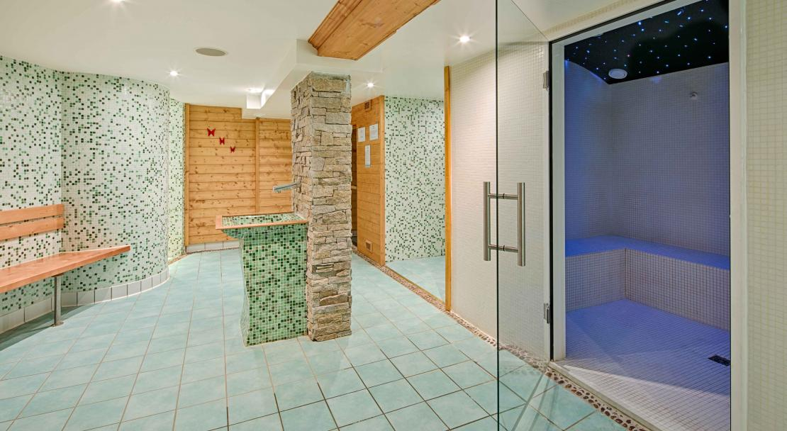 Steam Room in Hotel du Golf Les Arcs