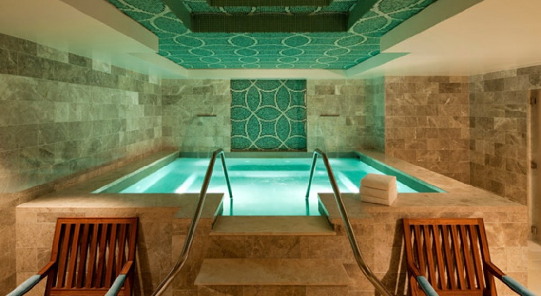 Spa Jacuzzi at St Regis Deer Valley