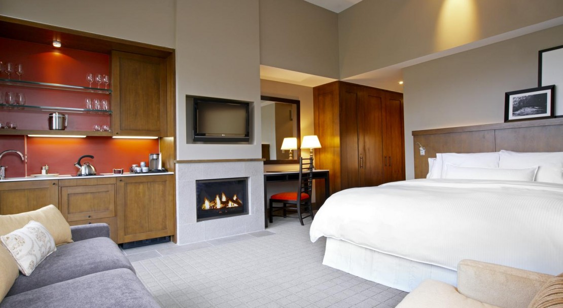 The hotel rooms at the Westin Riverfront Resort & Spa offer plenty of room and are very well firnished.
