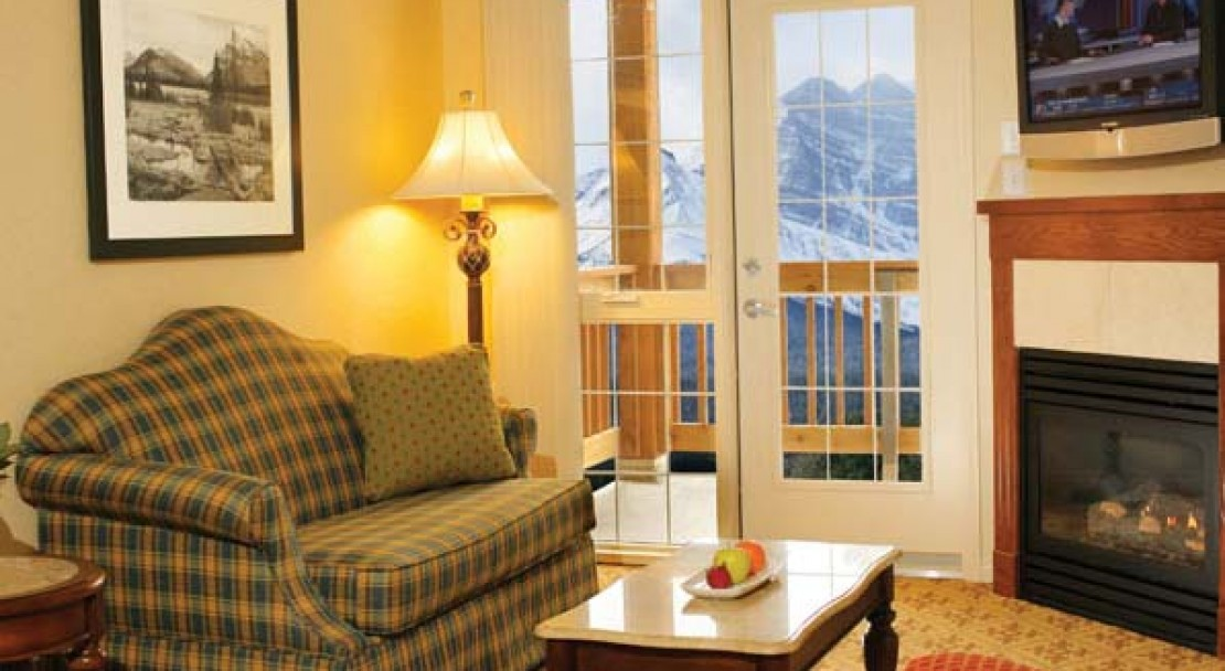 Lake Louise Inn Two or One Bedroomed Suite