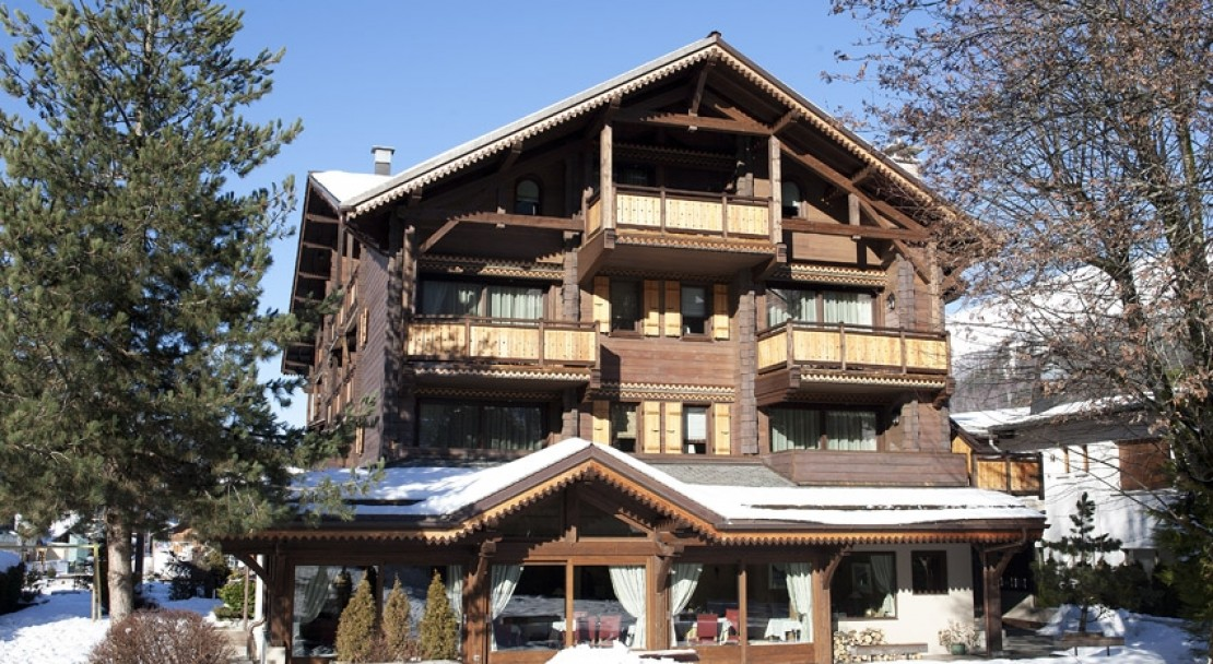 Hotel Le Samoyede - Rear View of Hotel - Morzine