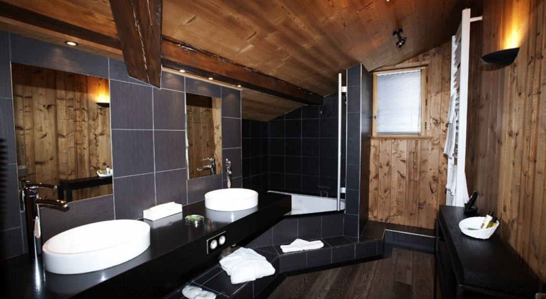 Hotel Le Samoyede - The Suite Bathroom - Morzine