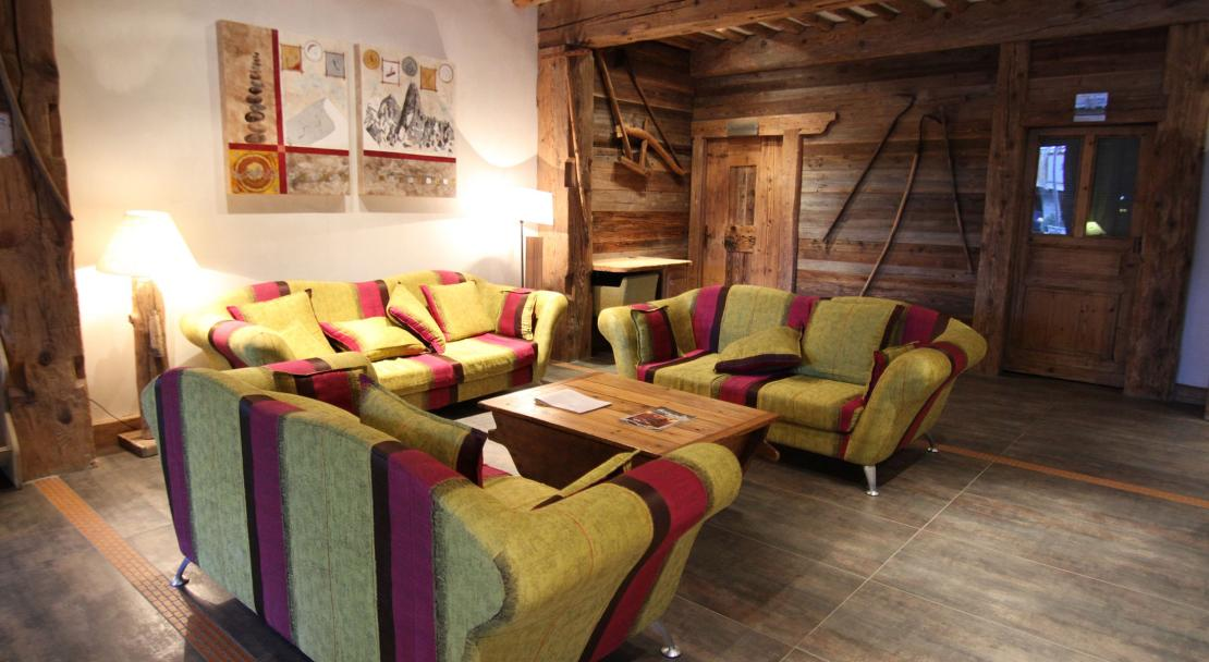 Sitting area at Le Nevada, Tignes