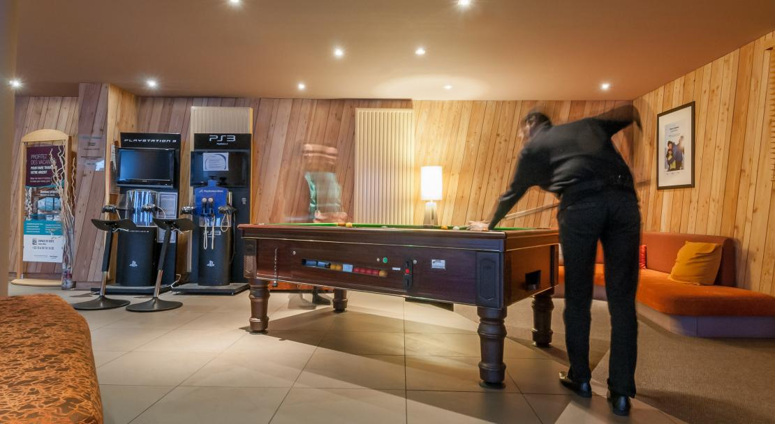Pool Table Les Crozats Avoriaz