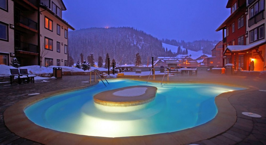 Hot tub at Founders Point Frasers Crossing - Winter Park Ski Resort