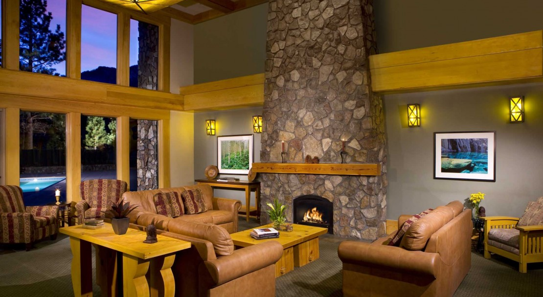 Lobby at Juniper Springs Resort - Mammoth Lakes