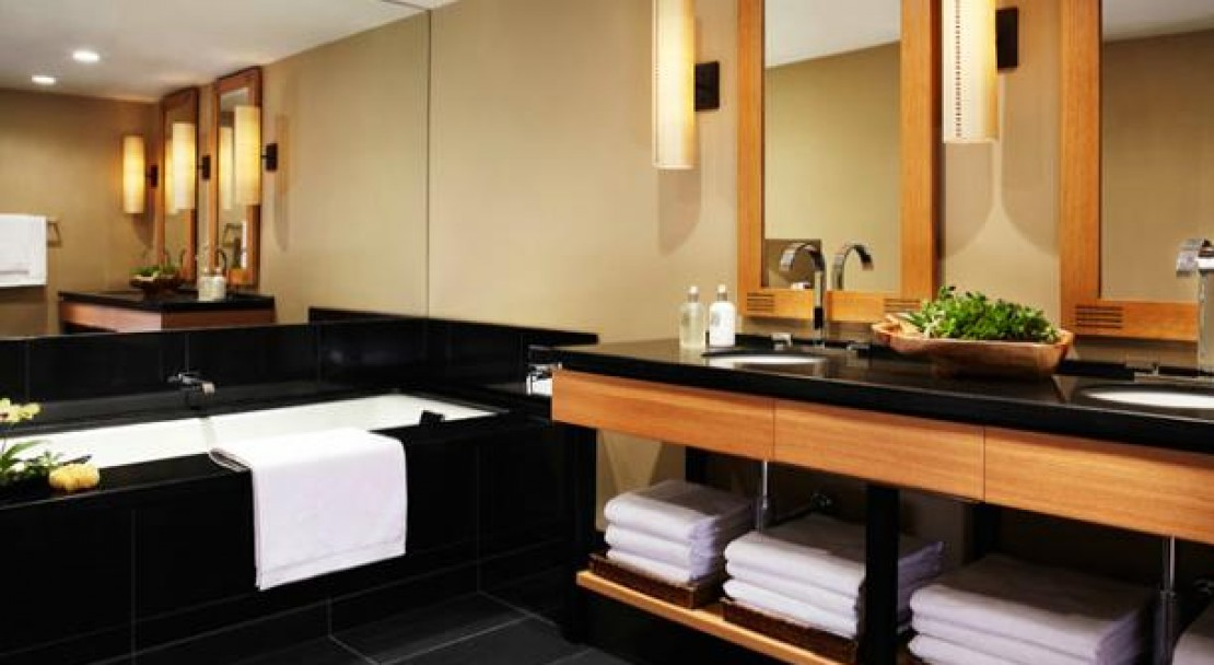 A Luxurious Bathroom - Viceroy Snowmass - USA