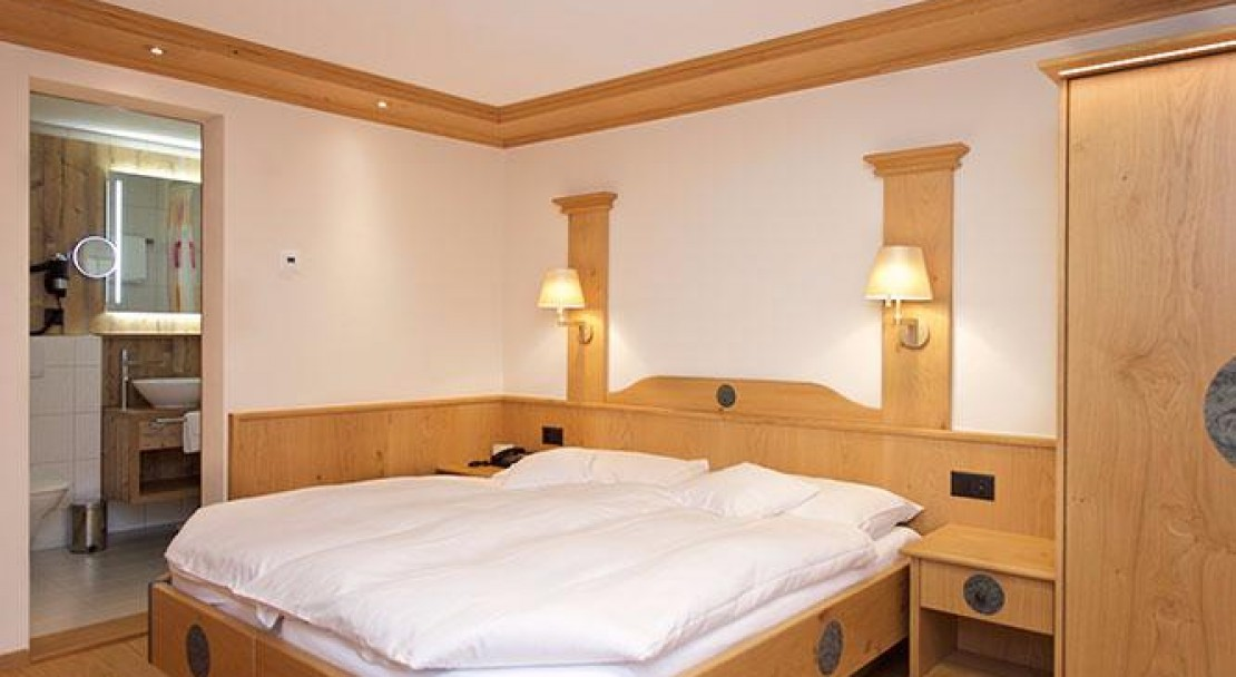 North Double Room - Hotel Couronne - Zermatt