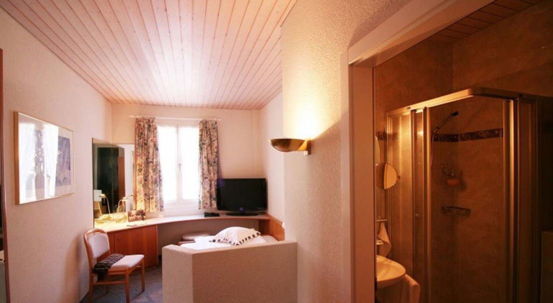 Single Bedroom at the Best Western Grand Hotel Metropol - Saas Fee