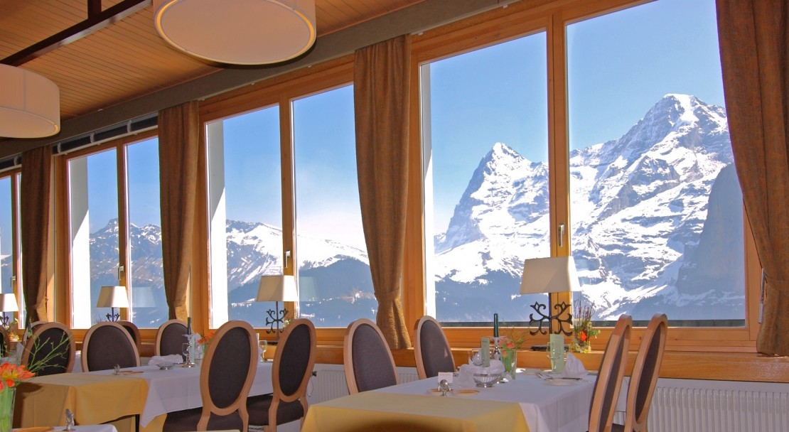 Hotel Eiger - Restaurant with view - Murren