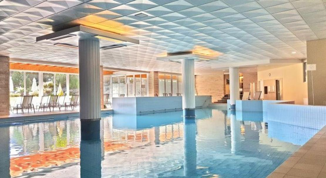Sunstar Hotel Davos swimming pool