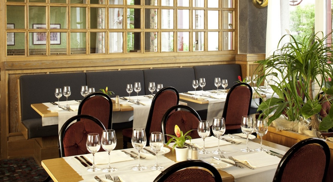 Fine dining in the Mercure Classic Hotel Leysin