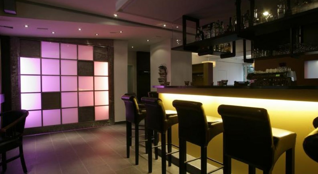 The bar at night - Sorell Hotel Asora - Arosa