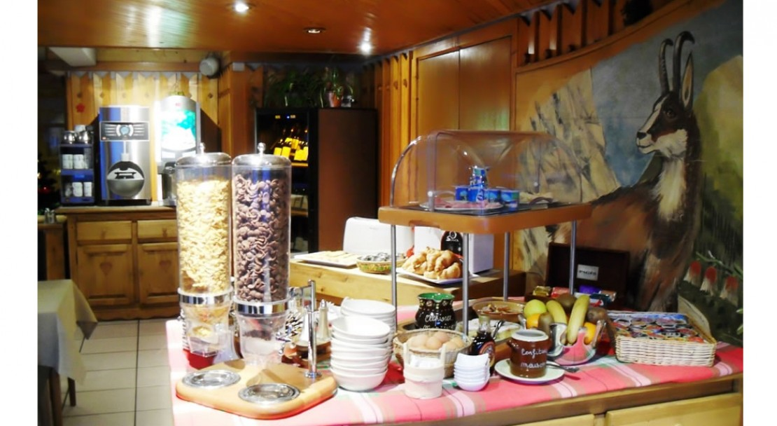 Alpina Morzine Breakfast buffet