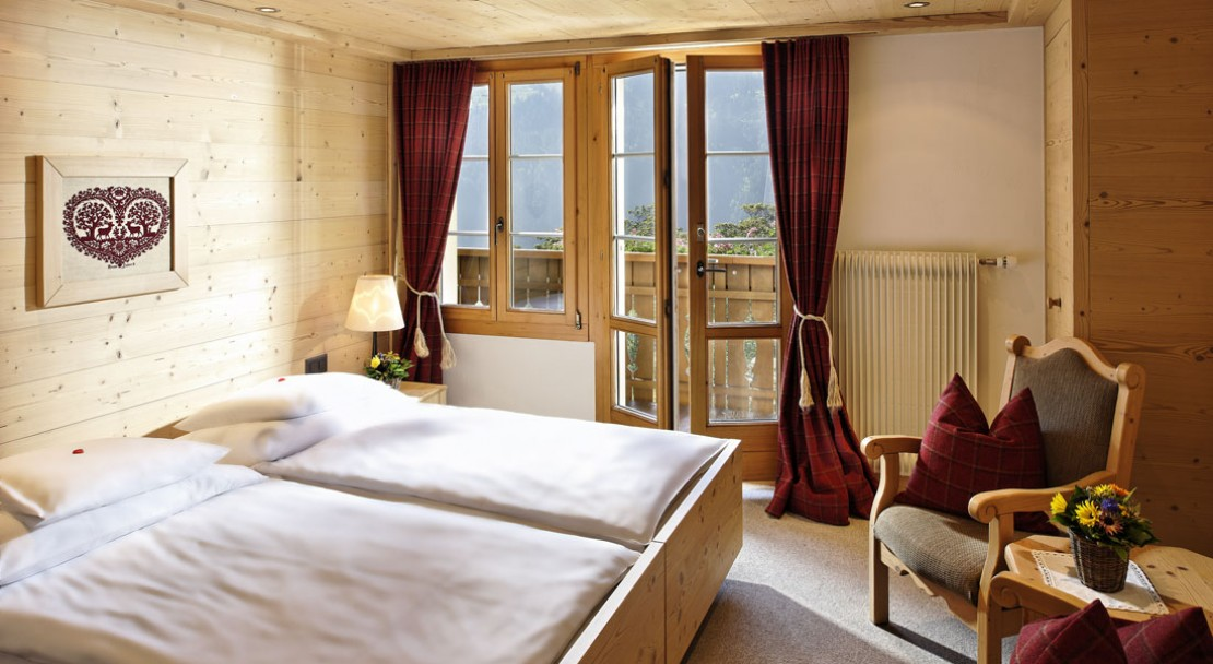 Twin Room at Hotel Alpenrose - Wengen - Switzerland
