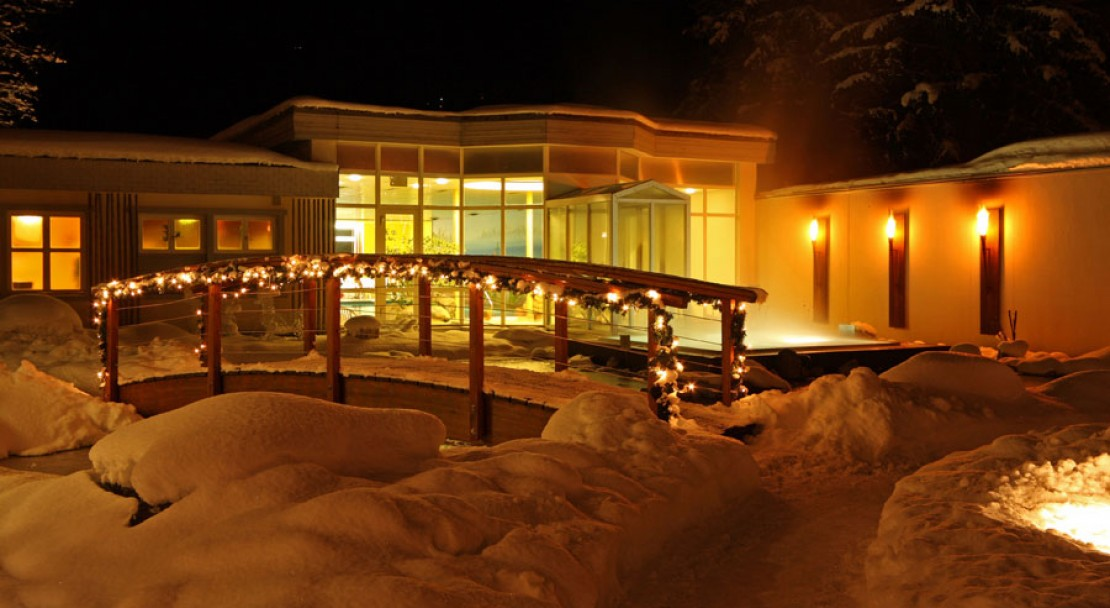 Snowy Exterior of the Belvedere Swiss Q Hotel in Grindelwald