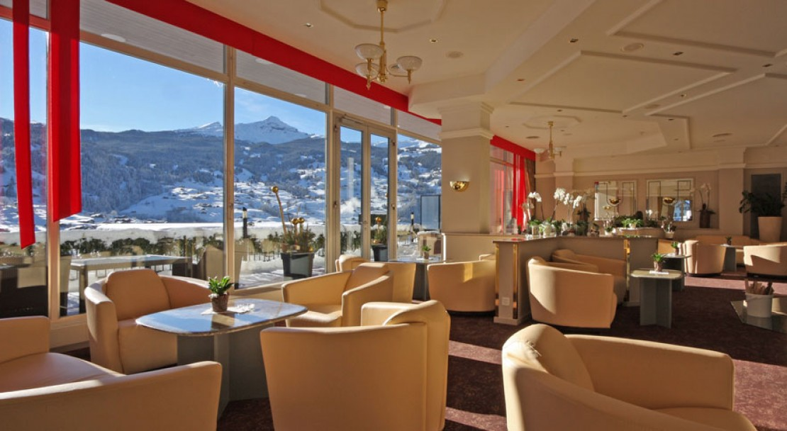 Communal Lounge at the Belvedere Swiss Q Hotel in Grindelwald