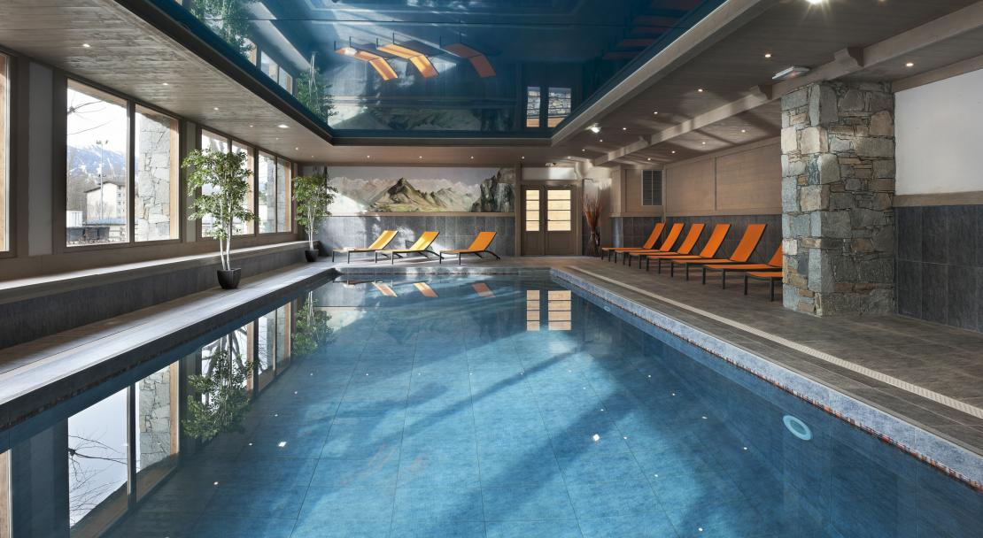 Swimming pool - Residence le Coeur d'Or - Bourg St Maurice; Copyright: Studio Bergoend