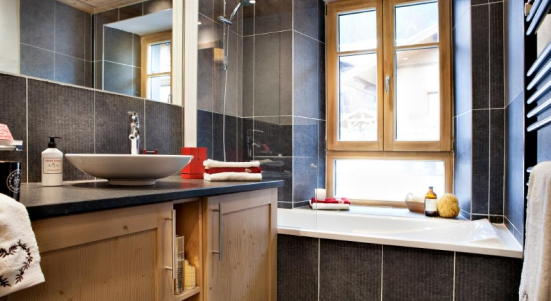 An example of a bathroom - Le Lodge Hemera - La Rosiere - France