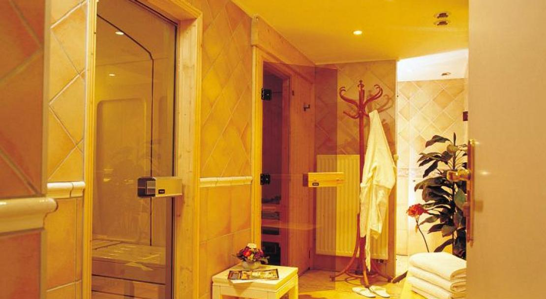The sauna and steam room facilities, Hotel Gourmets and Italy in Chamonix.