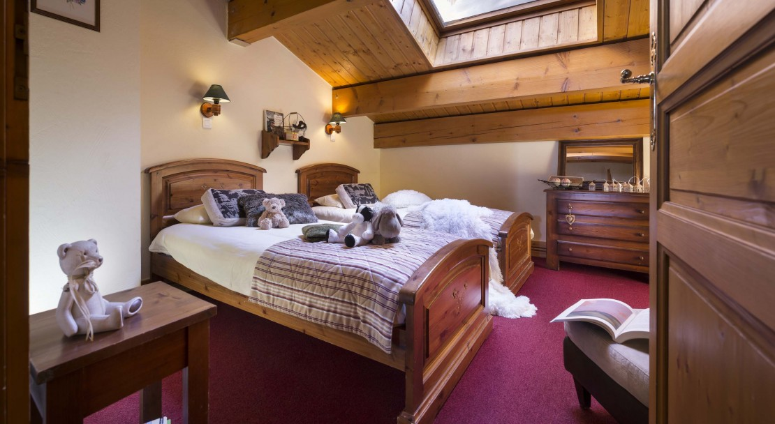 La Plagne Les Cimes Twin Bedroom