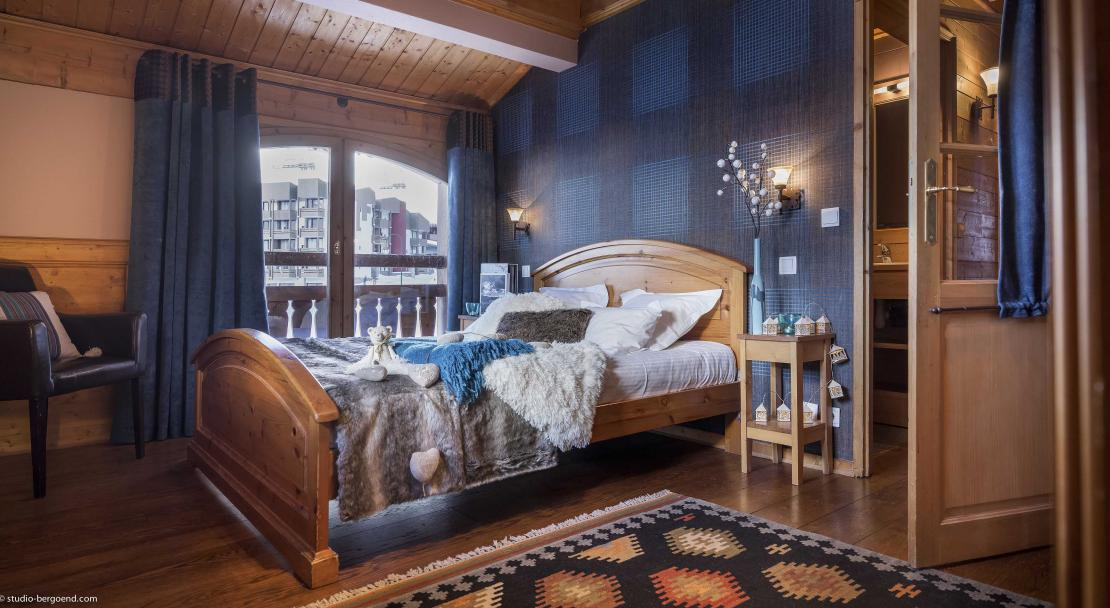 Chalet Lombarde Val Thorens Double Bedroom