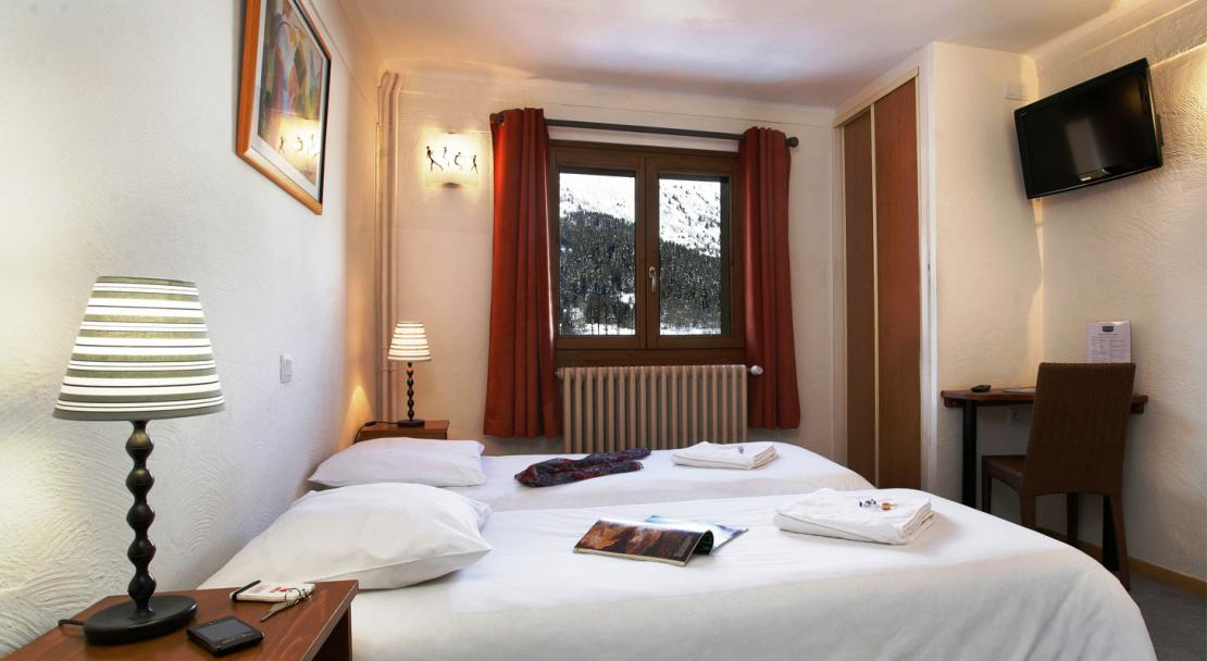 Hotel Le Genepi - Bedroom Type 1