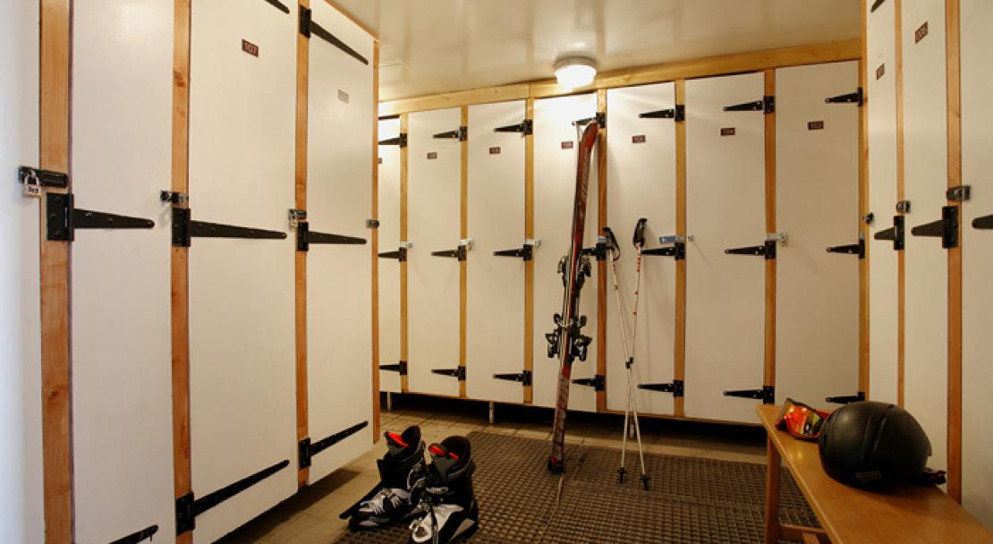 Le Chaix, Alp D'Huez, Ski Lockers