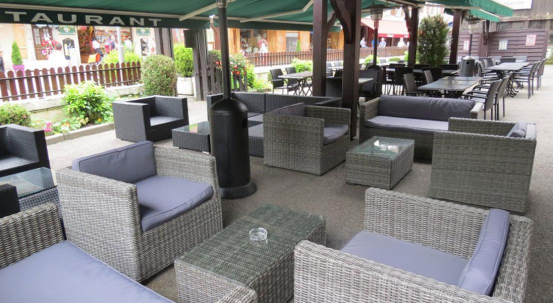 Hotel Les Glaciers - Outdoor seating
