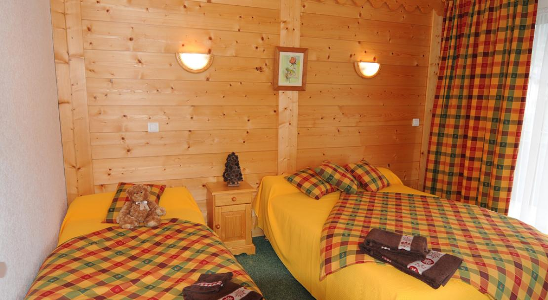Residence Les Glaciers - Double bed with single bedroom