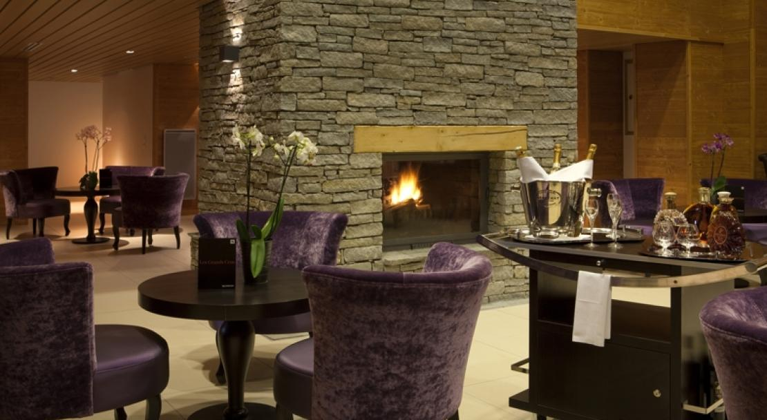 Hotel Alpenrose - Bar with fire - Alpe d'Huez