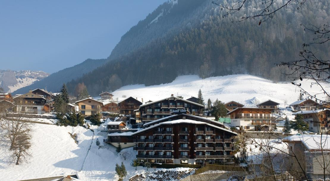 Hotel le Petit Dru - Exterior - Snow Covered