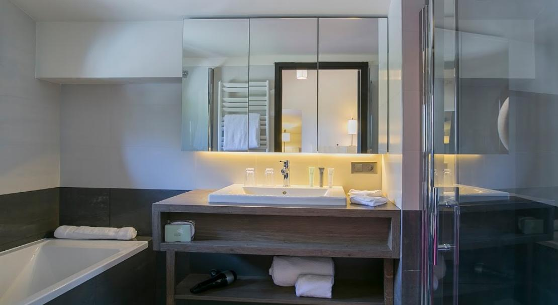 Hotel Excelsior Chamonix Bath and Shower