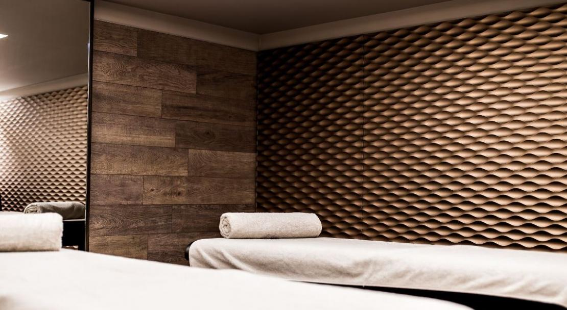 Hotel le val thorens spa treatment room