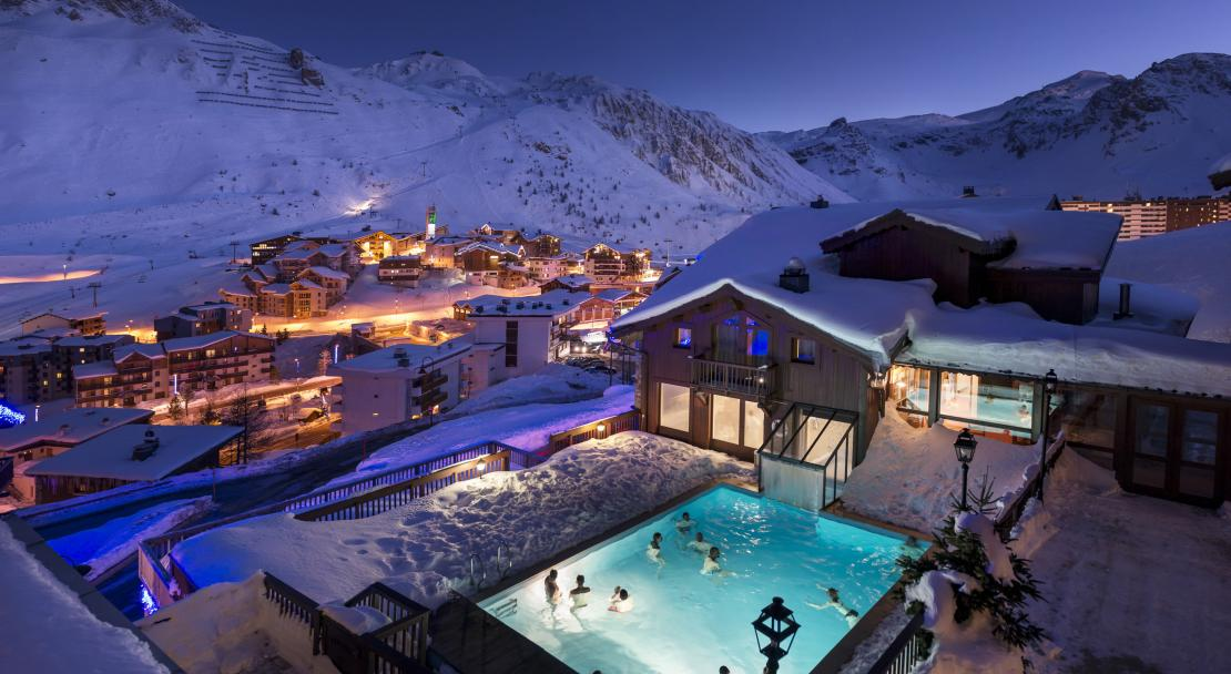 Nordic pool at Hotel Village Montana Tignes; Copyright: Studio Bergoend