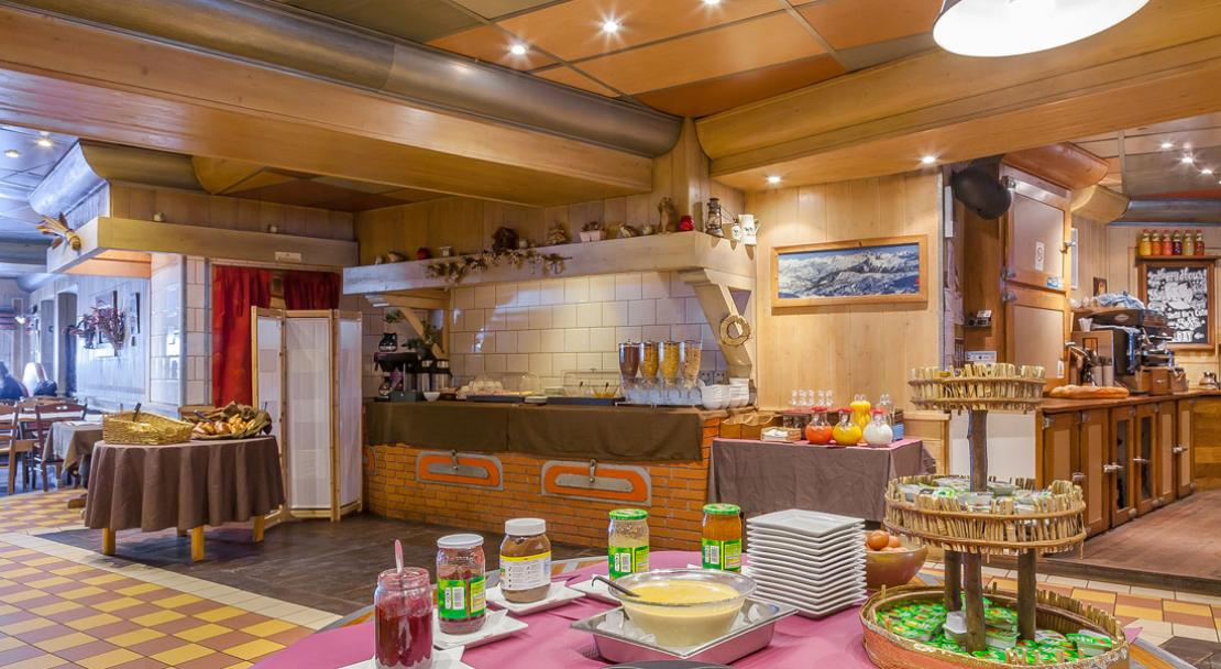 Buffet Breakfast at Le Chalet de Maitre Kanter