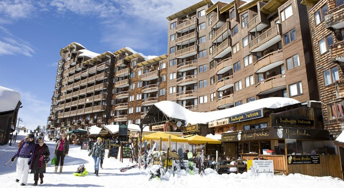 Outside Image and Restaurant-Les Fontaines Blanches-Avoriaz-France