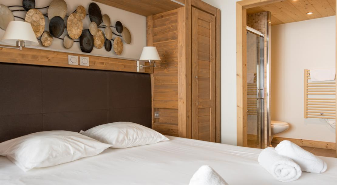 Koh-I Nor Bedroom; Copyright: Chalet des Neiges