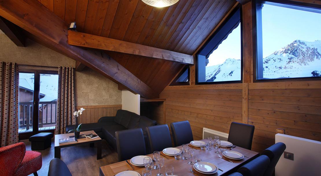 Dining area with Balcony and Mountain Views - Arolles - Les Arcs