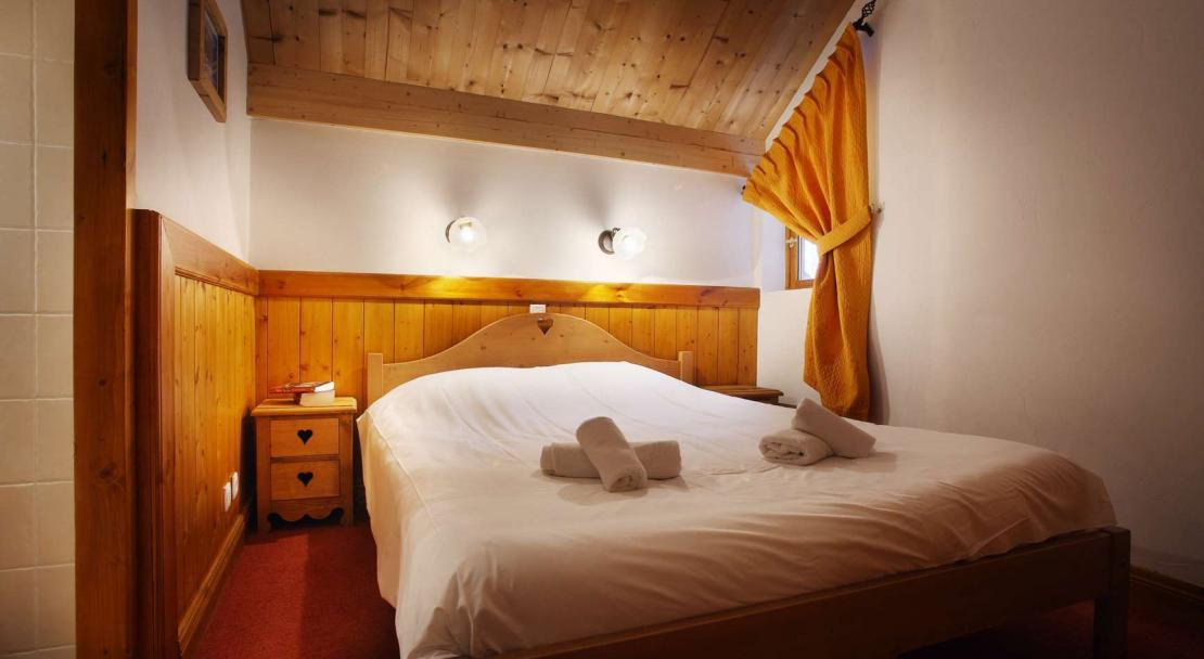 Double bed in Oz en Oisans