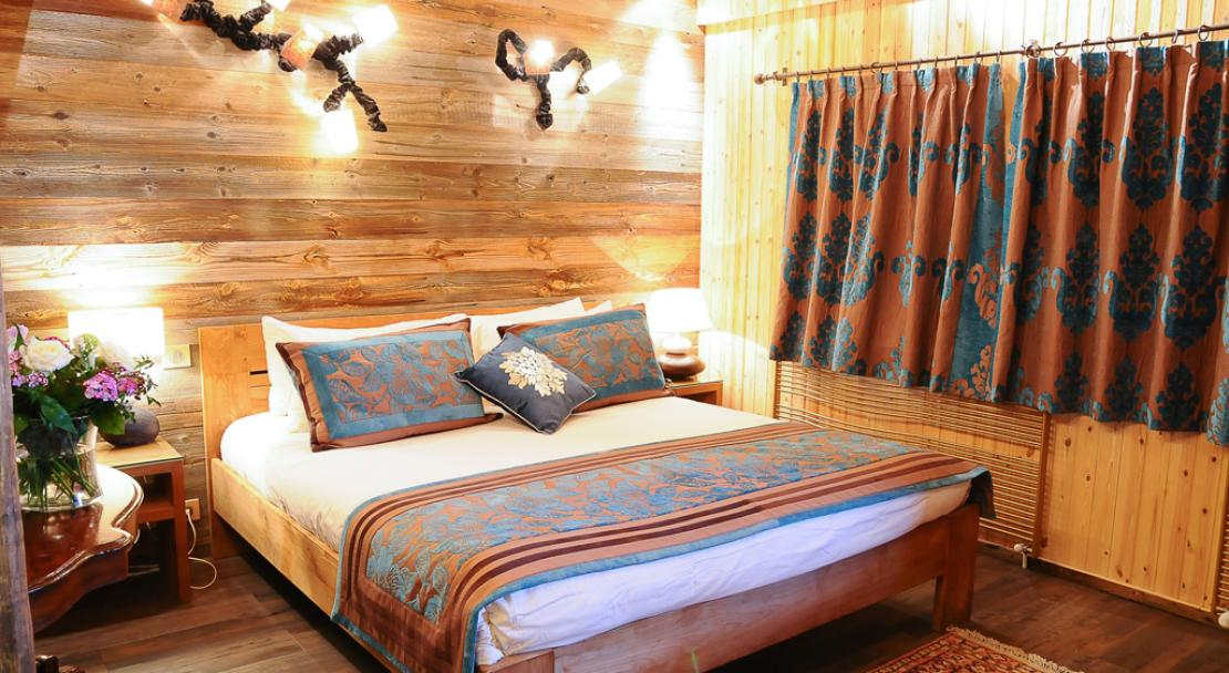 Double bed in Hotel Le Brussels Val d'Isere