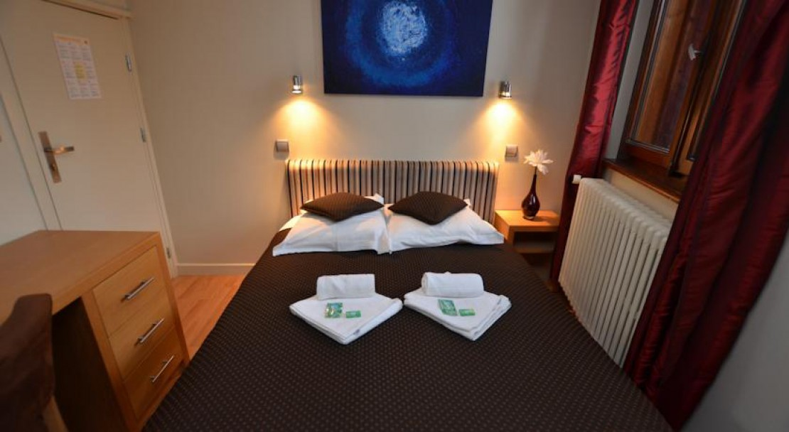 Double Bed in Rhodos Hotel Morzine
